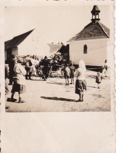 náves- foto poskytl p.D.Marič
